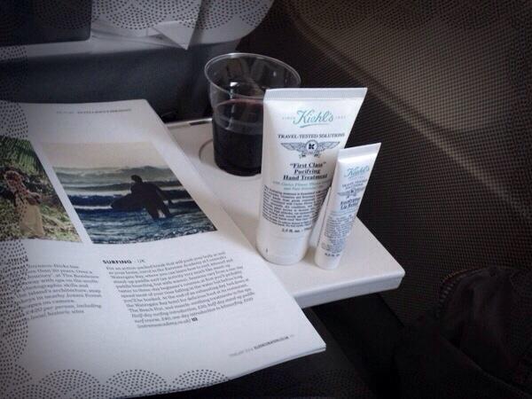 Travel Tested Solutions von Kiehl's im Handgepäck auf Flugreisen