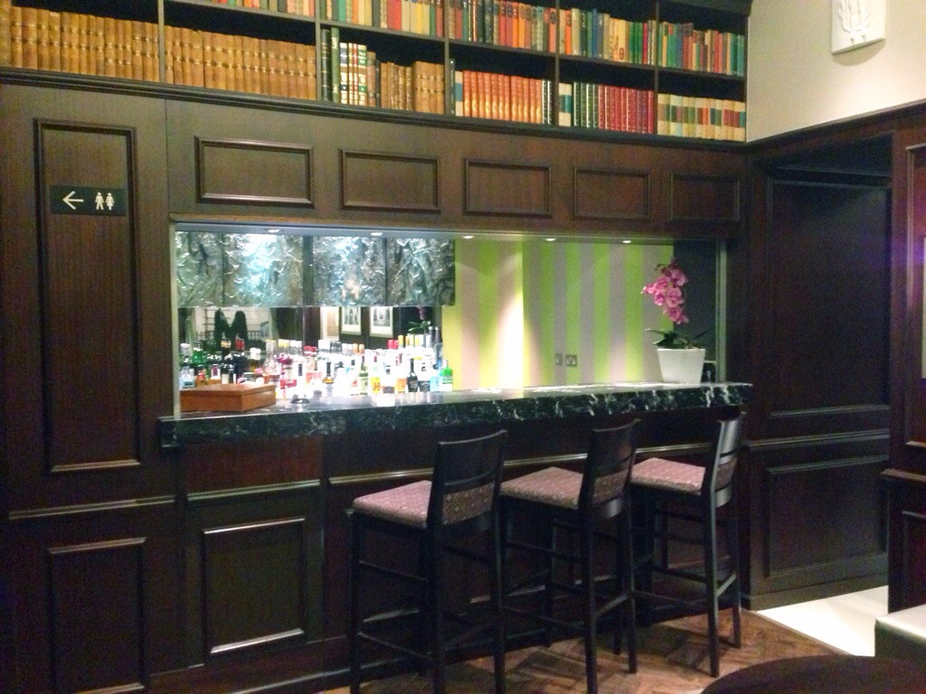 Bar im Mornington Hotel Hyde Park in London