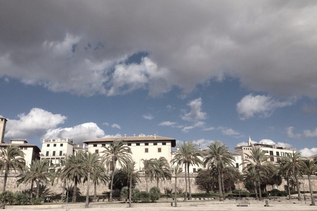 Yoga im November: Spaziergang Kathedrale La Seu in Palma de Mallorca