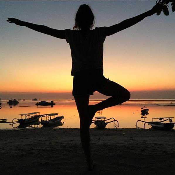 Sonnenuntergang Yoga Bali Melissa