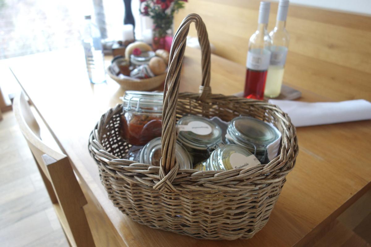 kulinarik genuss korb ferienhaus pures leben
