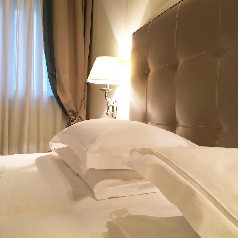 hotelbett triest italien