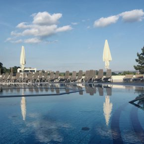 pool, thermalwasser, loipersdorf, steiermark, natur, österreich, reiseblog