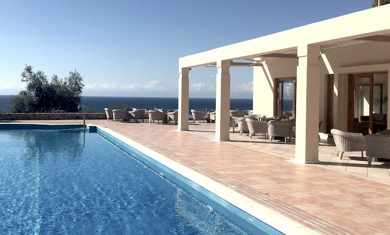 alonissos-hotel-beach-bungalows-and-suites