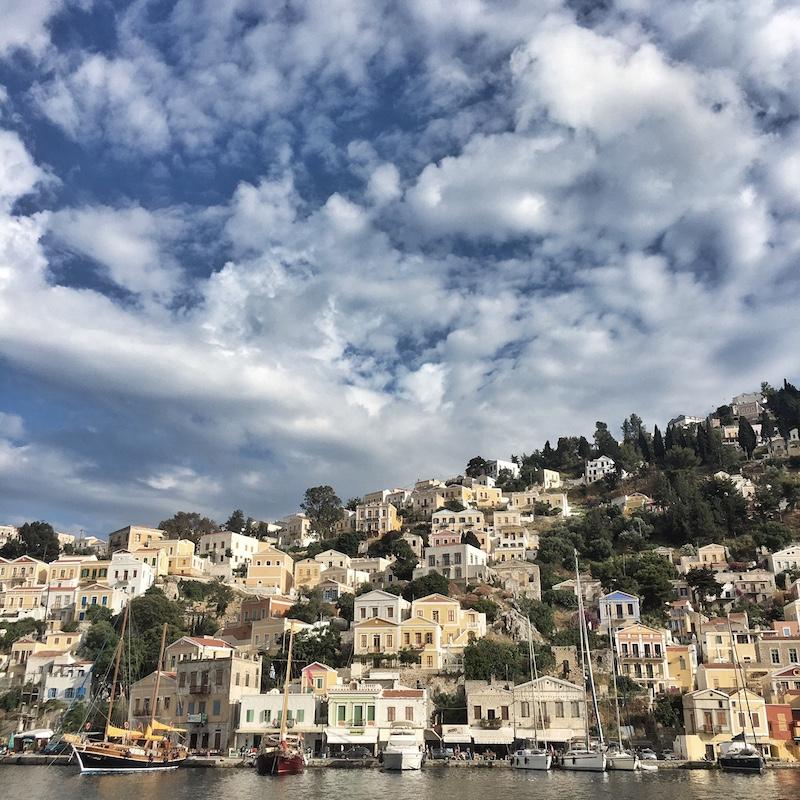 Haeuser Hafen Symi Griechenland