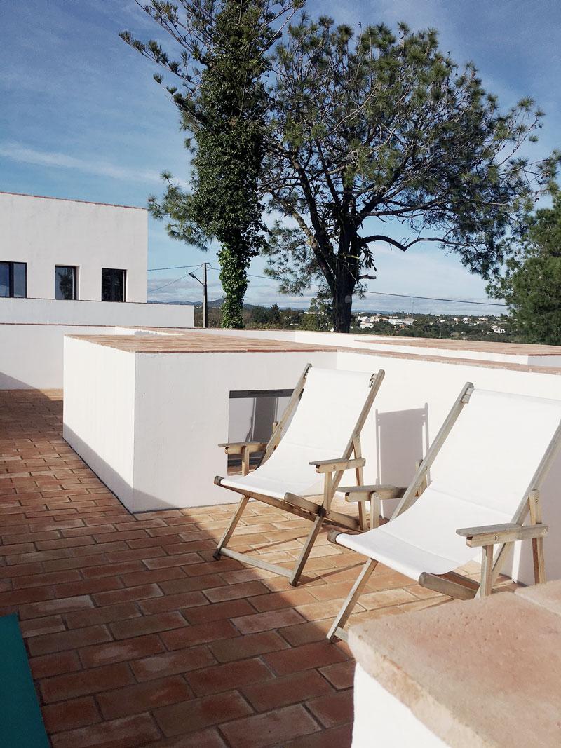 Dachterrasse-Liegestuhl-Algarve-Portugal
