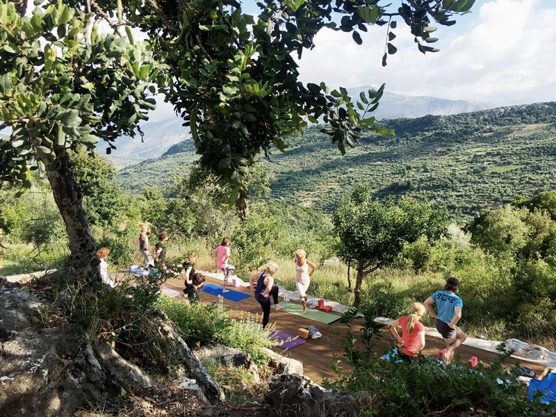 Yogareise-Kreta-mit-Sabina-Sellers