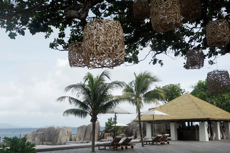 Terrasse-Six-Senses-Seychellen