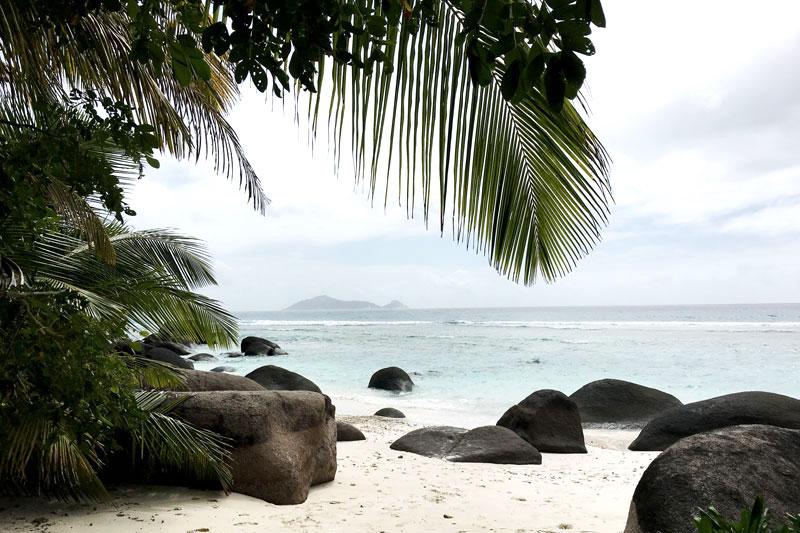 steine-strand-seychellen