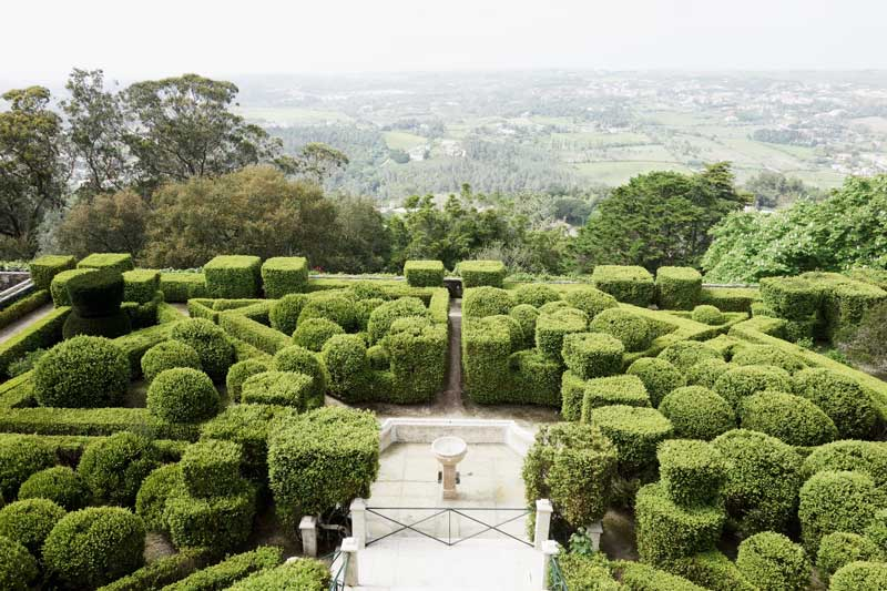 Schlossgarten mit Aussicht beim Yogaretreat im Tivoli Palacio de Seteais in Sintra