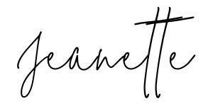 Jeanette Yoga Travel Blogger